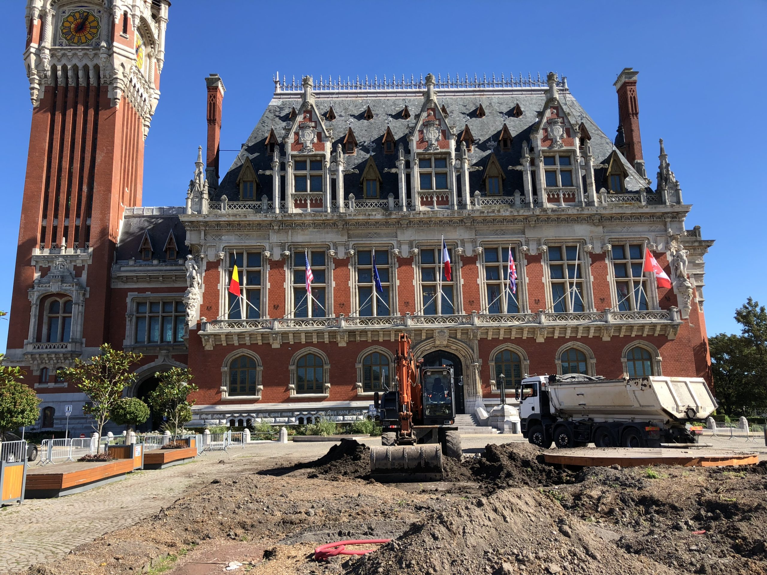 travaux devant la mairie de calais
