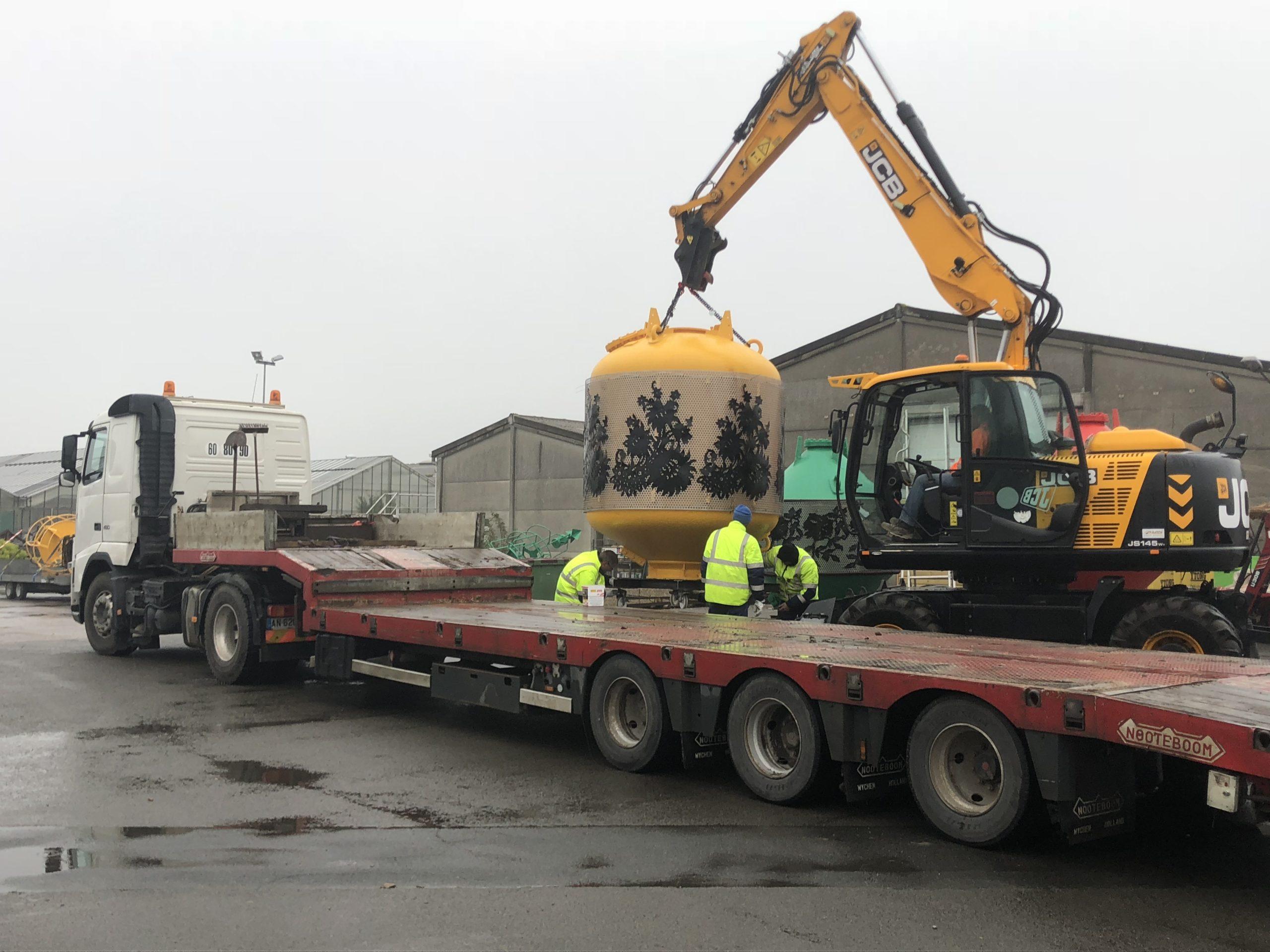 transport de bouee pour le port de calais DELBENDE TRAVAUX